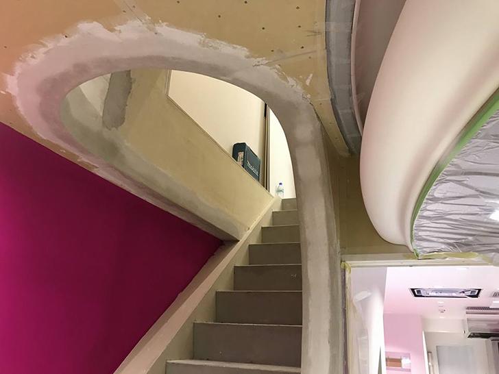 剛建社工事実績 ケーキ工房「銀座みゆき館」新工房 階段